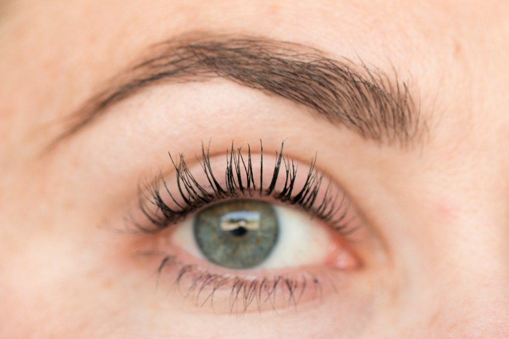 thrive-causemetics-mascara-1.jpg