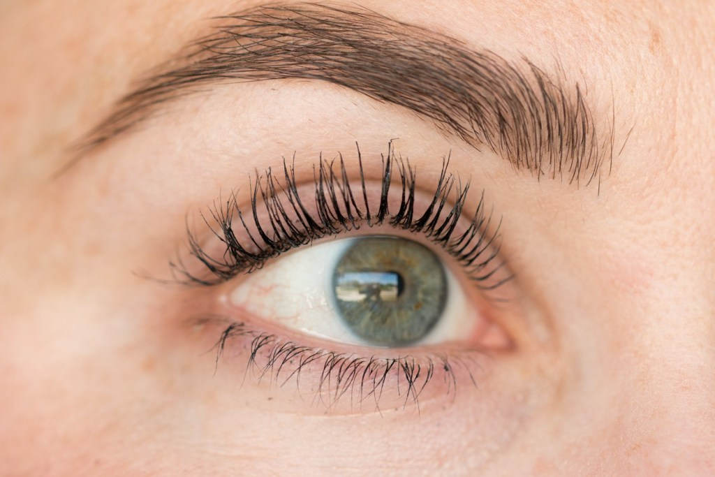 thrive-causemetics-mascara-2.jpg